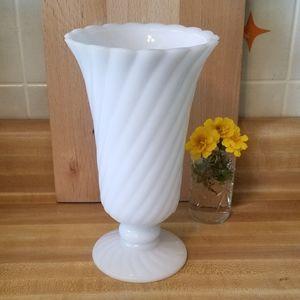 💖💖Large Milk Glass Vase